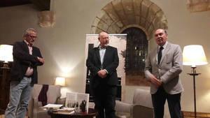 Éxito de la velada literaria protagonizada por el 'Planeta' Juan Eslava en el Parador de Sigüenza