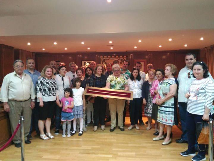 Alovera rinde homenaje a Isidoro Ocaña Sanz 'Sorín' junto a su familia
