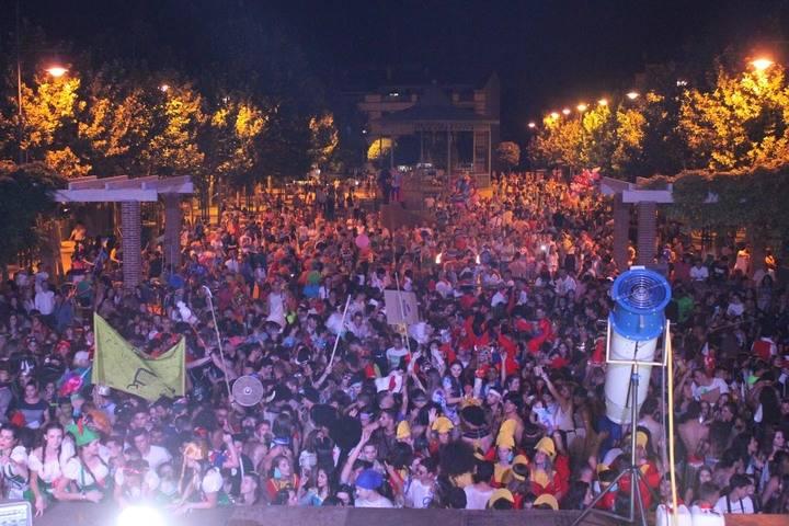Cabanillas del Campo comienza sus fiestas con el desfile y el pregón