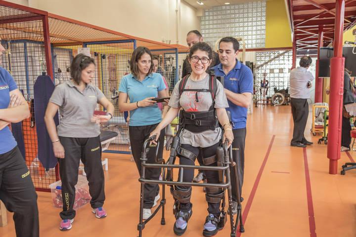 Nipace trabaja ya con el exoesqueleto, un novedoso dispositivo de rehabilitación