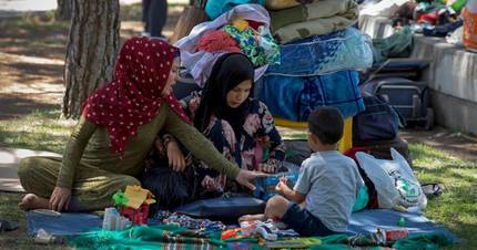Dos hoteles de Guadalajara acogen a los 80 refugiados sirios que acampaban en Madrid