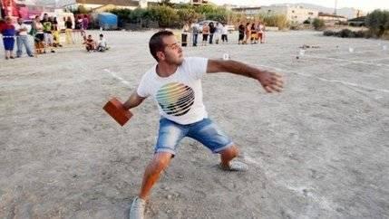 Yebes acoge el I Campeonato del Mundo de Lanzamiento de Ladrillo