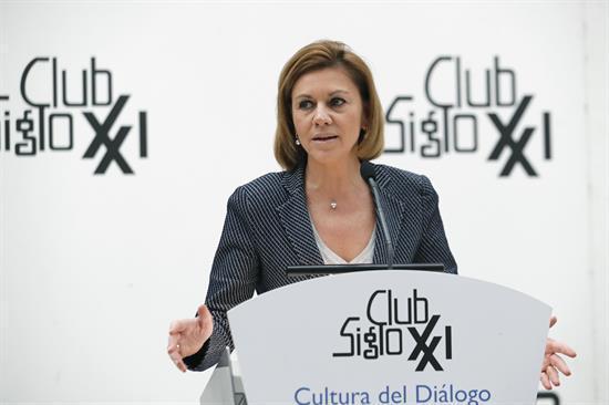 """Cospedal tacha de """"indecente"""" la actitud de Podemos con los periodistas"""
