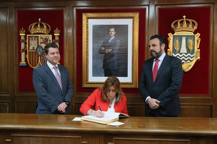 El alcalde socialista de Azuqueca se está pensando arrebatar a Page el cargo de secretario regional del partido