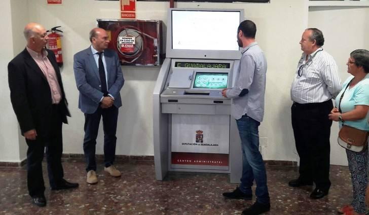 """Latre: """"Las nuevas oficinas electrónicas acercan la administración a los ciudadanos"""""""
