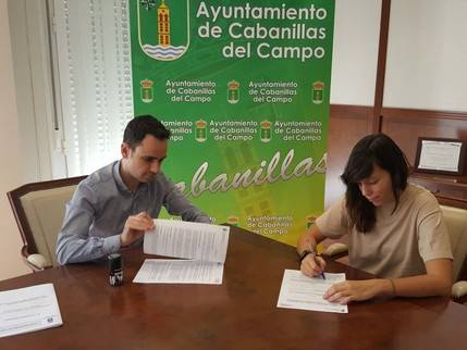 Salinas firma con clubes de Cabanillas los convenios anuales para la gestión de escuelas deportivas