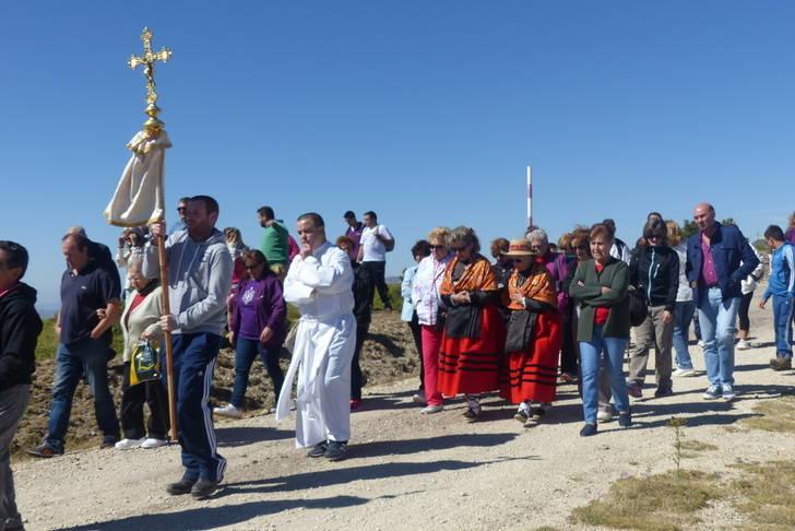 El presidente de la Diputación asiste a la tradicional romería del Alto Rey