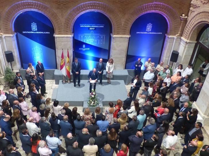 José Manuel Latre agradece a alcaldes y concejales su labor al frente de los ayuntamientos