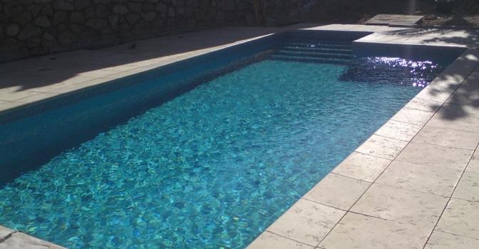 Un pequeño de 4 años es rescatado tras caer a una piscina en Torrejón del Rey