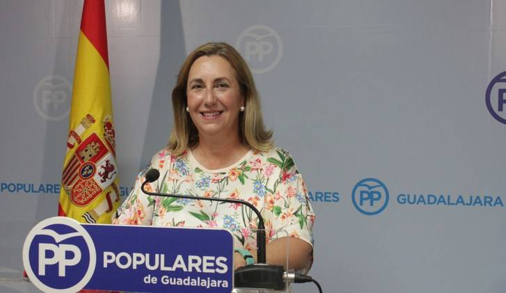 """Valmaña: """"Page condena a 1.183 personas de Guadalajara a esperar más de seis meses para ser operadas"""""""