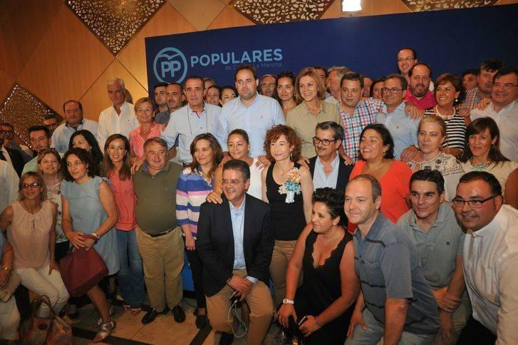 """El PP da el pistoletazo de salida hacia las elecciones de 2019 : Cospedal asegura una victoria del PP tras el """"espectáculo"""" de PSOE y Podemos"""