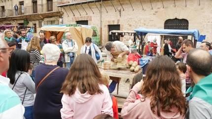La Escuela de Folklore de la Diputación participa en la celebración de Sigüenza como capital del turismo rural