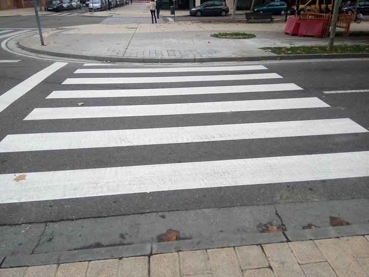 Herido grave al ser atropellado por un ciclista en un paso de peatones de Guadalajara