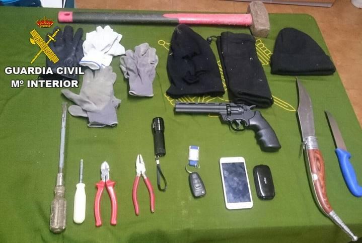 Dos detenidos en Tamajón tras ser 'pillados' mientras robaban en una casa