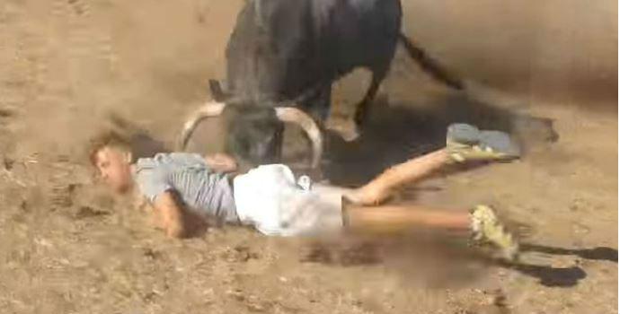 Conmoción en Guadalajara por la muerte de un hombre corneado por un toro en Valfermoso