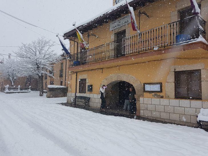 La nieve impide que 52 alumnos de Guadalajara puedan ir a clase y obiga a suspender cinco rutas escolares