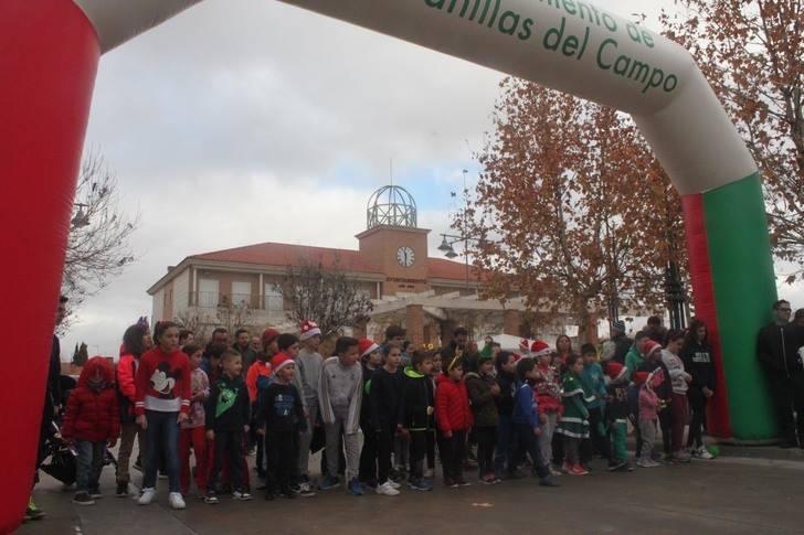"""Más de 110 personas participaron en la I San Silvestre de Cabanillas, antes de la fiesta de """"prenochevieja"""" en la Plaza del Pueblo"""