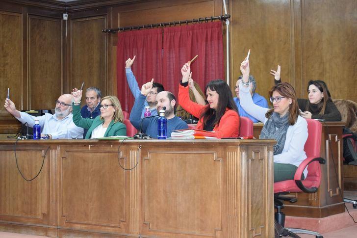 El Ayuntamiento de Azuqueca pondrá en marcha iniciativas para que el Desfiles de Carrozas sea declarado Interés Turístico Nacional gracias a Cs