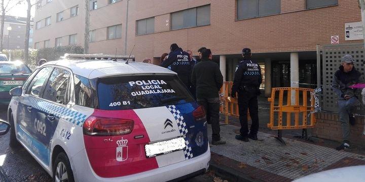 Desalojan en Guadalajara un edificio de alquileres sociales de la Junta de sólo 13 años de antigüedad por riesgo de hundimiento