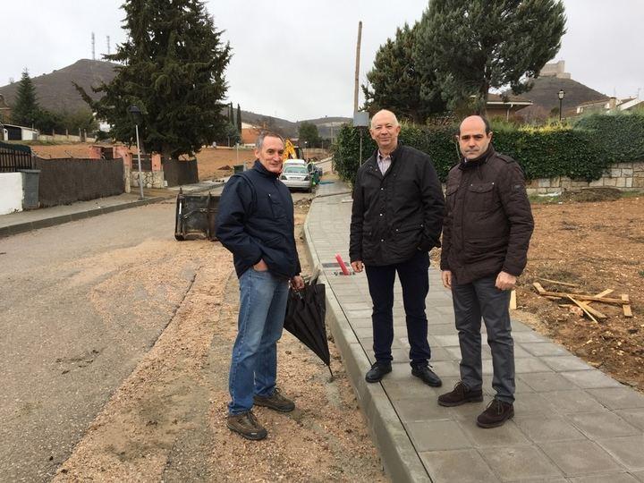 Diputación acomete obras de renovación de redes y del pavimento en Jadraque y Castilblanco de Henares