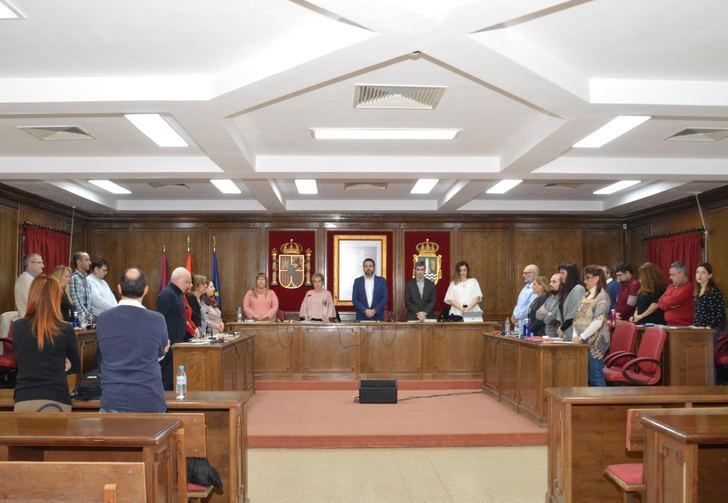 El Pleno de ayuntamiento de Azuqueca reclama más medidas en favor de la igualdad y contra la violencia de género