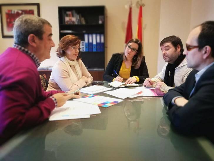 María Díaz mantiene una reunión con CERMI-CLM con intención de abrir nuevas líneas de trabajo conjunto