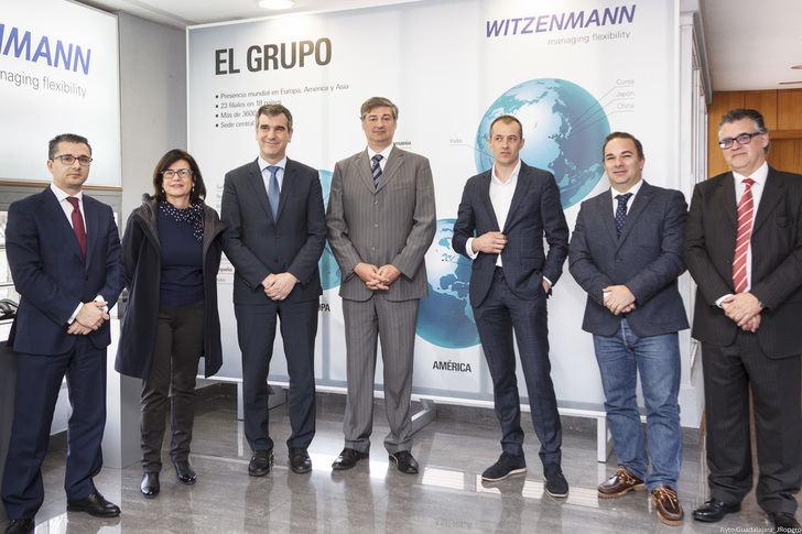 Antonio Román visita Witzenmann y destaca su papel como generadora de riqueza en Guadalajara