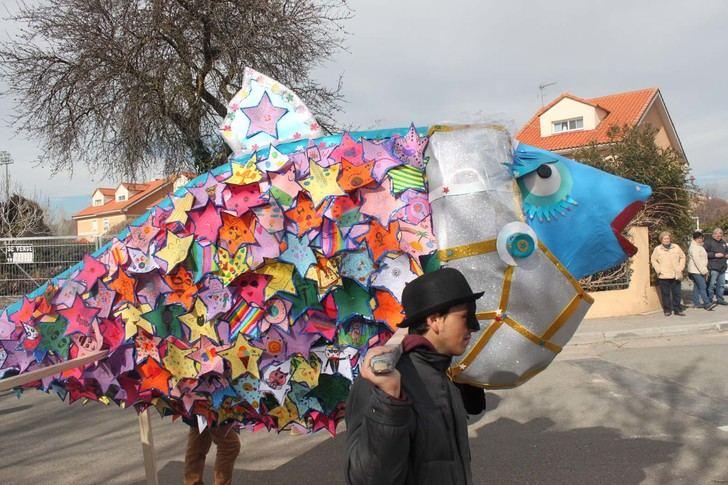 El animado Entierro de la Sardina pone el punto final a un Carnaval que se consolida en Cabanillas