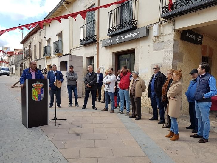 El presidente de la Diputación asiste a la inauguración del XX Mercado Medieval de Tamajón