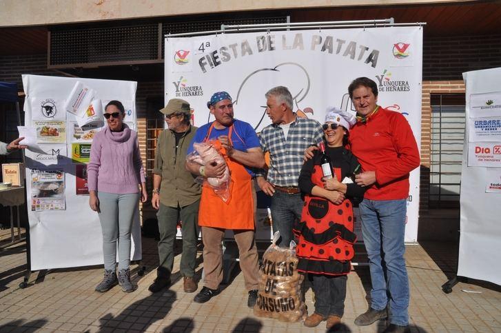 """Mil personas se """"Hermanan"""" en Yunquera de Henares es su 4ª Fiesta de la Patata"""
