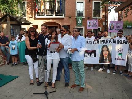 Familiares y amigos de Miriam Vallejo piden en Alovera el esclarecimiento de su asesinato