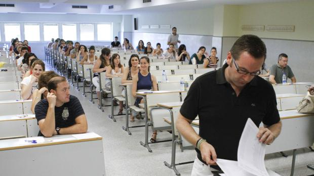 12.172 opositores aspiran a 227 plazas de auxiliar técnico educativo y 107 de auxiliar de enfermería este domingo en CLM