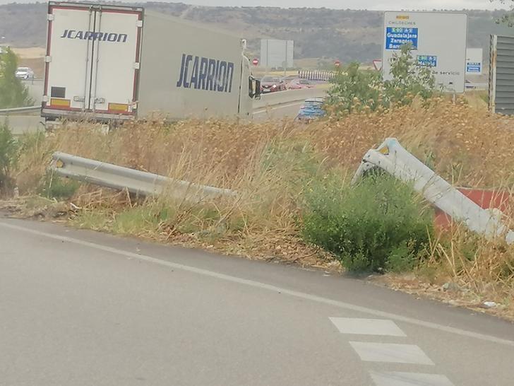 IU alerta del mal estado en el que se encuentran los accesos al municipio de Azuqueca