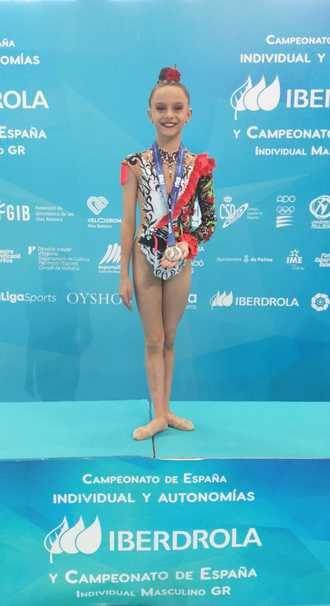 Aimara Fajardo, subcampeona de España con su ejercicio de manos libres