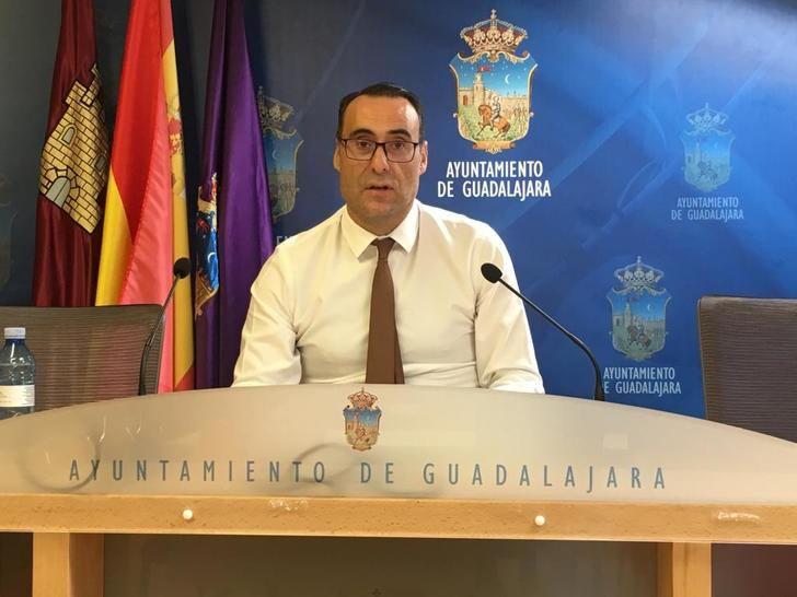 El Grupo Municipal de Vox propone la creación de una escuela municipal de familias en Guadalajara