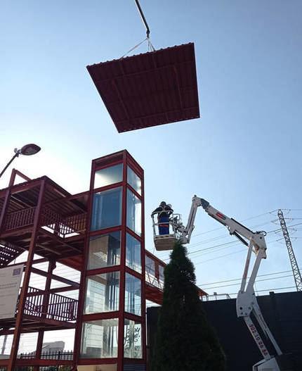 Completada la actuación de mejora en el ascensor de la vía del tren en Azuqueca