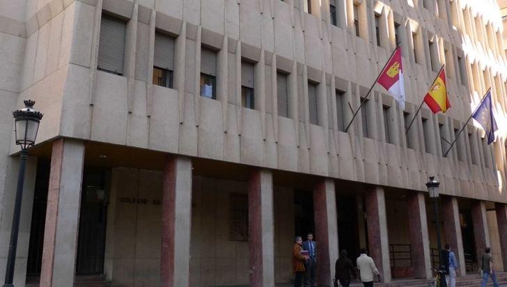 Condenado a un año y medio de cárcel por agredir a un concejal de Albacete por no contratarle como monitor