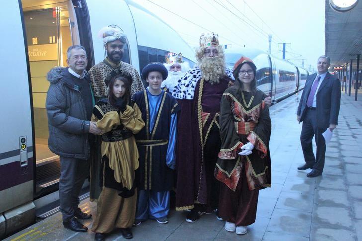 Los Reyes Magos se trasladarán en un tren AVE para participar en la recepción a los niños de Valdeluz