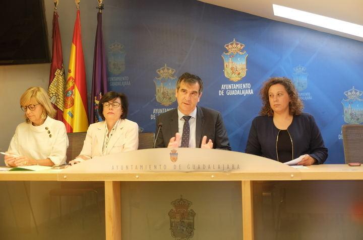El Ayuntamiento de Guadalajara destinará otros 315.000 euros para atender a los colectivos desfavorecidos y fomentar el empleo