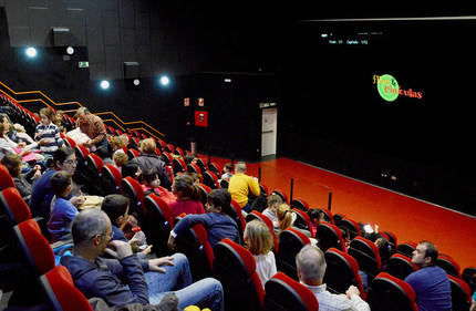 La sala de proyecciones, durante una de las películas de cine navideño. Fotografía: Álvaro Díaz Villamil/ Ayuntamiento de Azuqueca de Henares