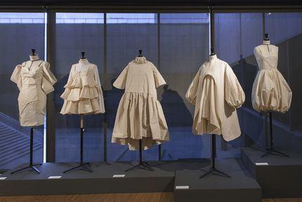 Los futuros diseñadores españoles se inspiran en el trabajo del maestro Balenciaga