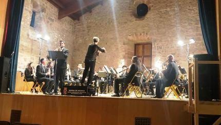 """La Banda de la Diputación de Guadalajara ofreció un """"conciertazo"""" en su actuación en Sigüenza conmemorando los 40 años de la Constitución"""