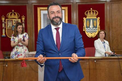 El alcalde de Azuqueca de Henares, José Luis Blanco, renuncia a su sueldo y se reincorpora a su puesto de trabajo en RENFE
