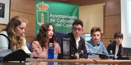 """Llenazo para presentar el libro """"La evolución de Cabanillas a lo largo del Siglo XX"""""""