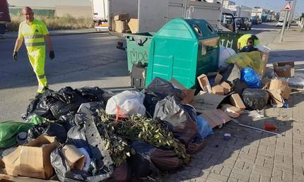 El Ayuntamiento de Cabanillas se dirige a las empresas de los polígonos, para abordar el problema de la basura en las calles