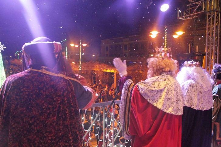 Cabanillas se vuelca en una espectacular Cabalgata de Reyes