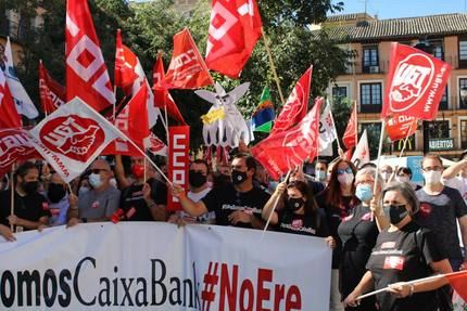 UGT insiste en que los sindicatos no aceptarán salidas forzosas en el ERE de CaixaBank en Castilla La Mancha