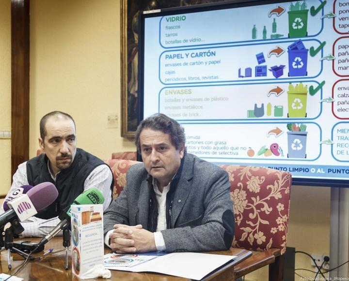 El Ayuntamiento de Guadalajara inicia una campaña para informar sobre la importancia de introducir bien los residuos en los contenedores