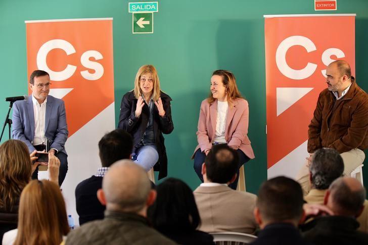 """Carmen Picazo: """"En Ciudadanos queremos ponerlo fácil a los agricultores, eliminar trabas y burocracia que complica día a día vuestro trabajo"""""""