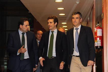 """Casado presume de Paco Núñez y Antonio Román en su visita a Guadalajara: """"Contamos con los mejores candidatos"""""""